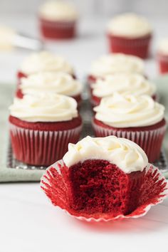 Gorgeous red velvet cupcakes with tangy cream cheese frosting. The deep red color makes the cupcakes an exquisite treat for Valentine's Day or any occasion. Easy Baking Recipes, Easy Cake Recipes, Cookie Recipes, Lemon Recipes, Good Cupcake Recipes, Baking Recipes Cupcakes, Cupcake Videos, Mini Dessert Recipes, Gourmet Cupcakes