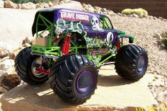 Very detailed Grave Digger monster truck. Big Monster Trucks, Monster Jam, Bagged Trucks, Rc Trucks, Tactical Shotgun, Mustache Party, Lego Friends, Radio Control, Trucks