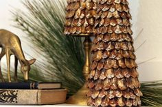 DIY-pinecone-decor-tree