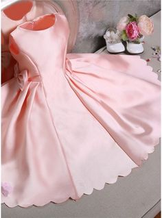 Ball Gown Scoop Neck Knee-length Bow(s) Satin Sleeveless Flower Girl Dress Flower Girl Dress