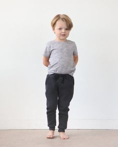 Sewing For Kids Clothes Image of MINI HUDSON PANT (PDF) - The Mini Hudson Pant is a children's sized skinny sweat pant with an elastic waistband, drawstring, pockets, and cuffs. The urban fit of these. Sewing Projects For Kids, Sewing For Kids, Love Sewing, Baby Sewing, Sewing Hacks, Sewing Tutorials, Sewing Ideas, Sewing Tips, Sewing Crafts