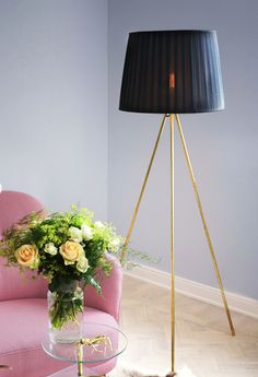 7.monica-karlstein-golvlampa-massing-lamp-brass-diy-hemmafix.8