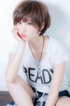『小顔になりたい』を叶えるフェミニンショート☆