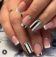nail aesthetic decor decor decor You are in the right place about Glitter photoshoot Here we offer you the most beautiful pictures about the Glitter plateado Diy Nail Designs, Colorful Nail Designs, Hot Nails, Hair And Nails, Nailart, Cute Nail Art, Powder Nails, Glitter Nails, Glitter Outfit