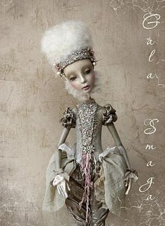 gorgeous doll!  (I'd post the source, but I can't read the language.)