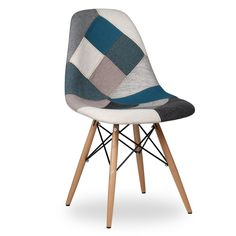 Chaise WOODEN TAPISSÉE -Blue Mix Patchwork- (Chaises Icon Design) - DSW Patchwork Chaises de design, tables de design, meubles de design, Modern classic, design contemporains...