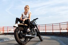 widescreen hd girls and motorcycles  (Lowden Brian 4500x3000)