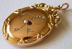 Circa 1900 9K Vintage Antique Gold Locket Seed by AntiqueLockets, $450.00