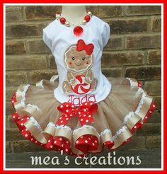 Perfect for Santa pix or December month outings! Baby Christmas Photos, Christmas Tutu, Baby Girl Christmas, Christmas Costumes, Christmas Ribbon, Ugly Christmas Sweater, Little Girl Tutu, Little Girl Dresses, Tutu Outfits