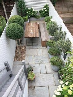 Beautiful Small Space Ideas For Gardens 09 - TOPARCHITECTURE