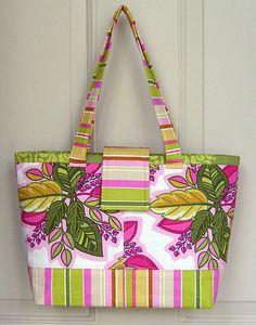Lazy Girl Designs » New Pattern: Mini Miranda Bag Debuts at Quilt Market