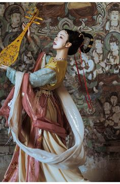 hanfu gallery — Traditional Chinese hanfu by 远山黛语 Traditional Chinese, Chinese Style, Traditional Dresses, Chinese Dance, Dunhuang, Ancient Beauty, Ancient China, Ancient Greek, China Girl