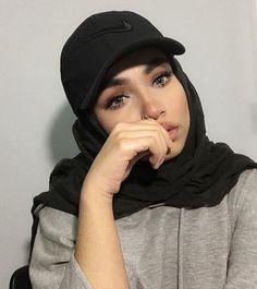 Modest Fashion Hijab, Street Hijab Fashion, Casual Hijab Outfit, Muslim Fashion, Hijabi Girl, Girl Hijab, Hijab Moda, Office Outfits Women Casual, Hijab Caps
