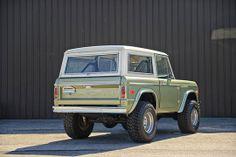 1974 Ford Bronco http://classicfordbroncos.com/past-builds.html https://www.facebook.com/classicfordbroncos #classicfordbroncos #cfb #classic #ford #bronco #fordbronco #vintage #restoration #classicsuv #classiccars #limegreen #country #dirtroads #beach #cruisin
