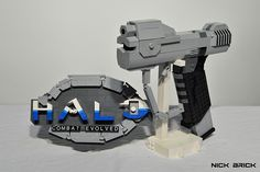 The notoriously overpowered Halo magnum replicated in LEGO [Video]