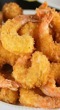You will never believe how easy it is to make this Crispy Crunchy Fried Shrimp recipe right at home! Seasoned shrimp get lightly coated in a batter, then dipped in panko bread crumbs. Crunchy Fried Shrimp made right at home! Deep Fried Shrimp, Fried Shrimp Recipes, Breaded Shrimp, Shrimp Tempura, Shrimp Appetizers, Shrimp Dishes, Fish Recipes, Seafood Recipes, Cooking Recipes