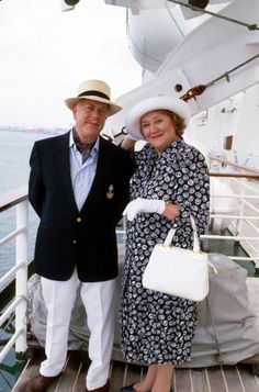 Keeping Up Appearances: Collector's Edition, Hyacint and husbond go yachting, great tv, funny, humour, haha, photo