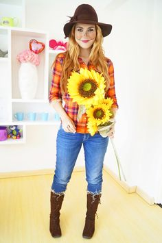 The Joy of Fashion: {Halloween}: Easy Scarecrow Costume