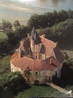 I like the idea of building a home around a central courtyard.  Château de Meauce . Saincaize-Meauce . Bourgogne