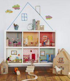 Resultat av Googles bildsökning efter http://www.handverkarna.se/wp-content/uploads/2012/10/dockhus-inspiration-tips-ide-barn-inredning-lek-hylla-hus-517x600.jpg