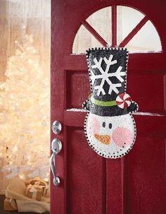 Snowman Burlap Door Hanger we can do this Squires Squires Wacome and Squires Squires Albert Burlap party! Christmas Door Decorations, Burlap Christmas, Christmas Holidays, Christmas Stuff, Burlap Decorations, Merry Christmas, Diy Decoration, Burlap Projects, Burlap Crafts