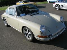 What colour is this 912? - Page 1 - Porsche General - PistonHeads