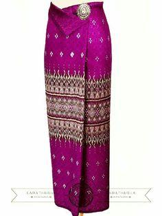 Kebaya Dress, Batik Kebaya, Blouse Batik, Batik Dress, Traditional Thai Clothing, Traditional Dresses, Batik Fashion, Skirt Fashion, Muslim Fashion