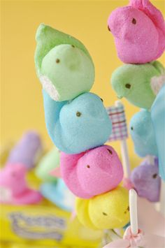 Peeps on a Stick - a fun thing to do with Peeps! Create your own Peeps on a Stick in just a couple of minutes and with a few supplies. Easter Candy, Hoppy Easter, Easter Eggs, Pretzel Sticks, Pretzel Rods, Candy Kabobs, White Marshmallows, Easter Season, Easter Celebration