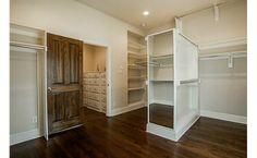 Huge walk-in! Two rooms of storage!