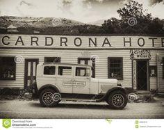 cadrona-hotel-old-car-new-zealand-