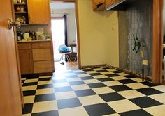Black & white glueless vinyl flooring