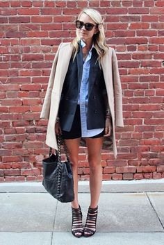 I wish I could make wearing a collared shirt and two coats look this relaxed. Love everything about this outfit! Mode Inspiration, Fashion Inspiration, Dress To Impress, Ideias Fashion, Style Me, Personal Style, Winter Fashion, Stylish, Shorts