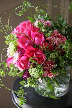 rose,ranunculus,hydrangea and carnation. Designed by Yukinobu Fujino