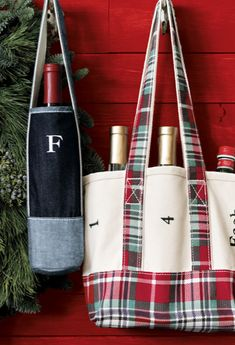 Hostess gift: Wine + a personalized tote. love! Could probably make something similar. #DIY inspiration