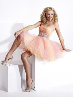 Shop short prom dresses and short formal gowns at PromGirl. Short prom dresses, formal short dresses, semi-formal short dresses, short party dresses for prom, and short dresses for prom Mini Prom Dresses, Prom Dress 2013, Dresses Short, Sweet 16 Dresses, Tulle Prom Dress, Cheap Prom Dresses, Quinceanera Dresses, Pretty Dresses, Beautiful Dresses