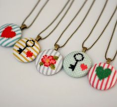 Etsy の Floral Cross Stitch Pendant Necklace by BobbySoxie Cross Stitching, Cross Stitch Embroidery, Hand Embroidery, Cross Stitch Patterns, Cross Stitch Borders, Mini Cross Stitch, Bijoux Diy, Needlework, Floral