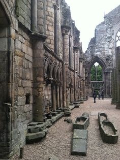 The ruins of Holyrood Abbey, Edinburgh, Scotland. (I've been before but the Mr hasn't and wasn't up for it last year. Next time!)
