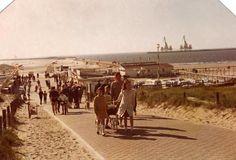 IJmuiden. Een dagje naar het strand in de jaren '60