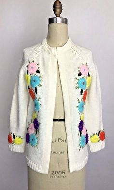 VINTAGE 50'S 60'S CREAM RAINBOW FLORAL EMBROIDERED KNIT CARDIGAN SWEATER #unbranded #casual