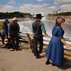 "joeinct: ""Mennonites at Overlook, Niagara Falls State Park, NY, Photo by Roger Minick, 1999 "" Yellowstone National Park, National Parks, Great American Road Trip, Martin Parr, Old Faithful, Documentary Photographers, The Visitors, Niagara Falls, State Parks"