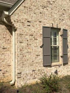 Our Classic Collection is a great way to enhance any building project. Brick House Colors, House Exterior Color Schemes, Dream House Exterior, Exterior Design, Brown Brick Exterior, Brown Brick Houses, Stone Exterior, Brick Siding, Brick Facade