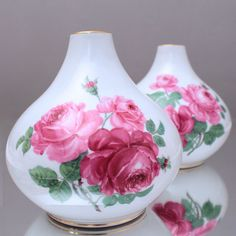 Meissen: Paar große Vasen, Rosen nach Braunsdorf, Kugelvase, Knaufzeit, Vase…