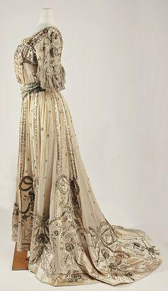 Evening dress 1901–5