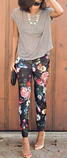 I don't normally like these pants, but I'm drawn to these. Love the whole outfit.