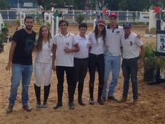 Hipismo: Cavaleiros e amazonas de Botucatu Iniciam muito bem a temporada 2017 -   A temporada de 2017 começou muito bem para os cavaleiros e amazonas da Hípica Vitoreli. No último final de semana, na cidade de Limeira, onde foi realizada a I etapa dos campeonatos de Salto e Hipismo Rural da ABHIR (Associação Brasileira dos Cavaleiros de Hipismo Rural).  Com um forte - http://acontecebotucatu.com.br/esportes/hipismo-cavaleiros-e-amazonas-de-botucatu-iniciam-muit