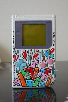 "Custom Game Boy ""Tetris"", by OSKUNK (vía: @Vil)"