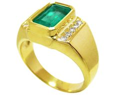 14k yellow gold Men's birthstone emerald ring