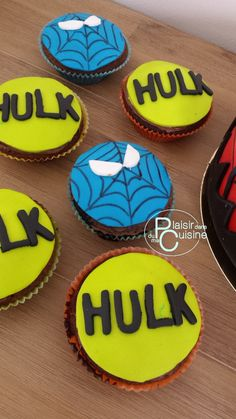 muffins déco en Pâte à Sucre thème Spiderman et Hulk