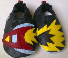 Rocket Black Barefoot, Cool Kids, Leather Shoes, Air Jordans, Baby Shoes, Sneakers Nike, Black, Leather Loafers, Nike Tennis