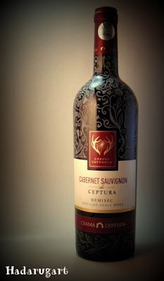 Artizani romani | Mestesugari romani | Sticla cu vin gravata manual